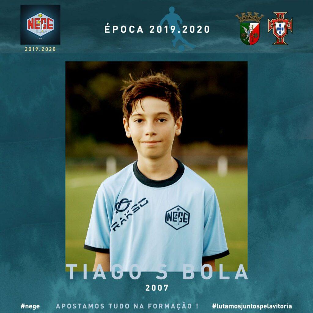 NEGE JOGADORES FUTEBOL ESCOLA FUTEBOL TIAGO BOLA